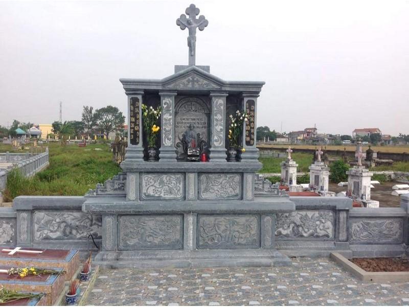Mộ đá công giáo 2