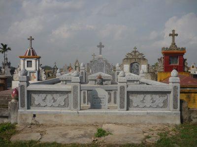 Mộ đá công giáo 14