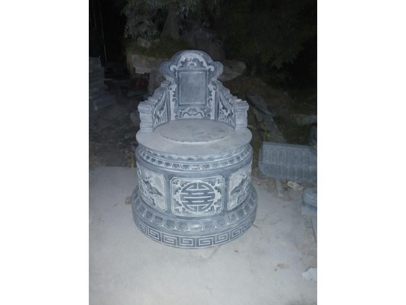 Mộ đá tròn đẹp 10